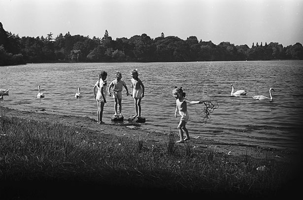 "[The Ellesmere ""Lido"", 1949]"