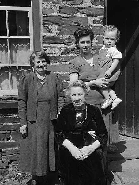 [Four generations in Corris]