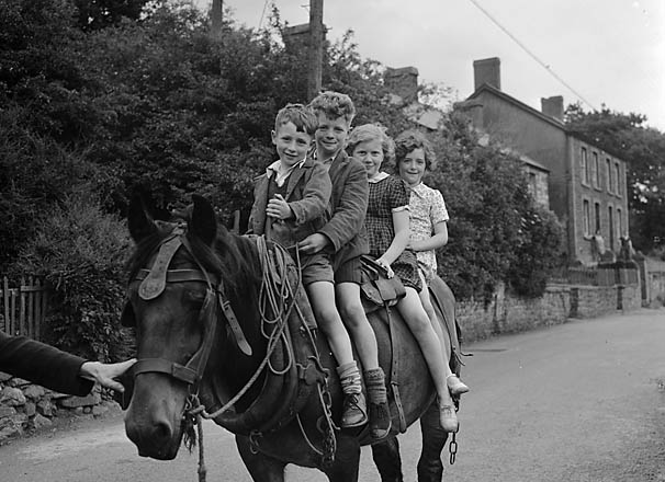 [Four children on horseback at Abercraf]