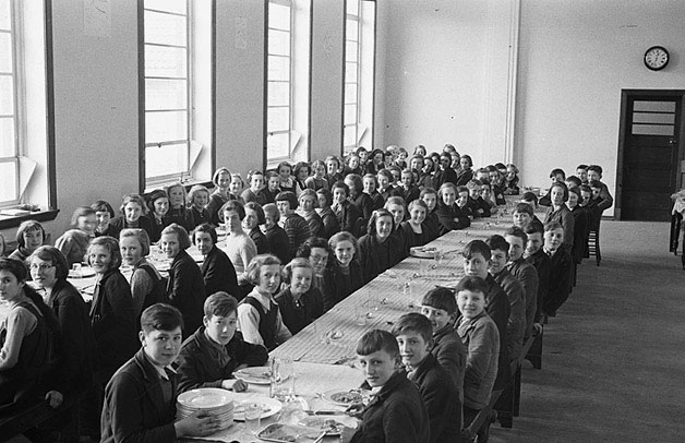 [School dinner at Welshpool Central School]