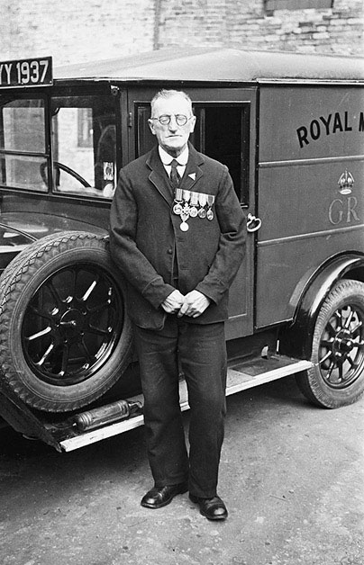 [Retirement of Robert White, Welshpool postman]