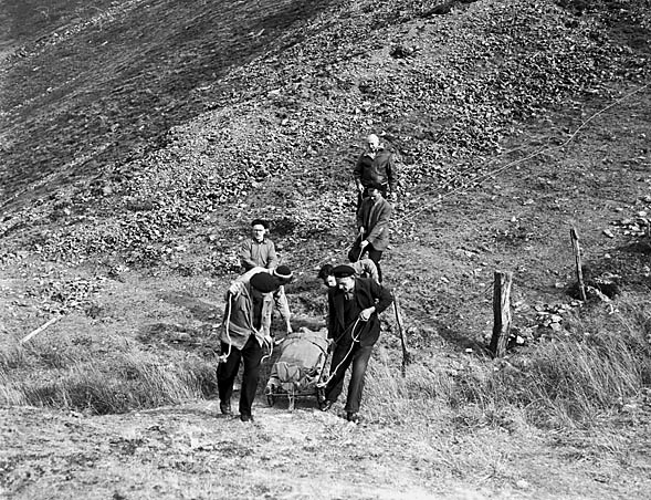 [Red Cross mountain rescue exercise at Bwlch Cwmhafodoer above Tal-y-llyn]