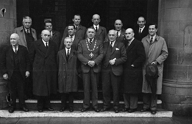 [Re-election of Councillor F.S. Higgs as Mayor of Llanidloes]