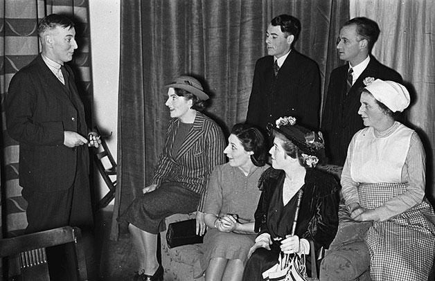 """[Cast of """"Hedda Gabler""""]"""