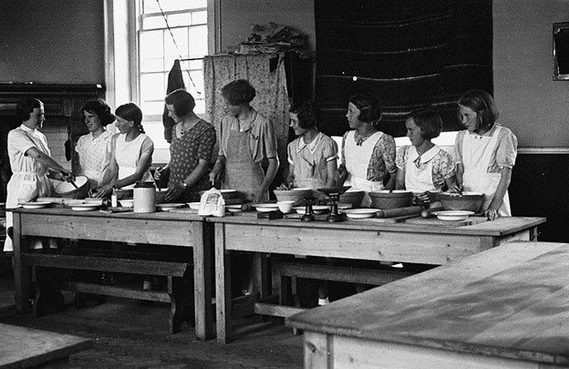 [Cookery lesson at Berriew Council School]