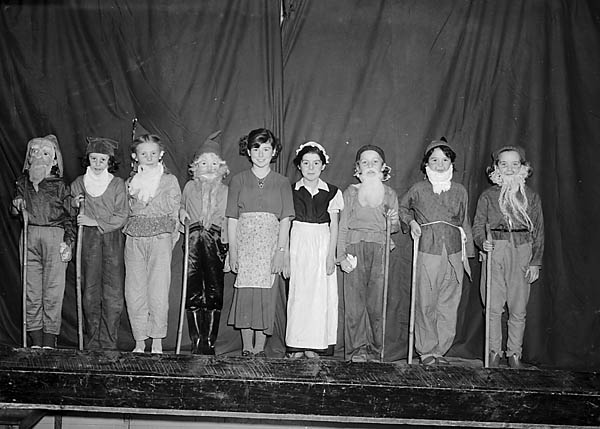 [A play performed at Woodside School, Oswestry]