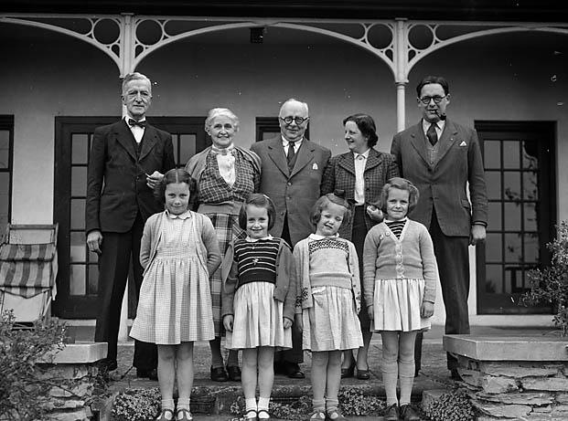 [Rowland Thomas' family, Plas Tudur, Llanerchymedd]