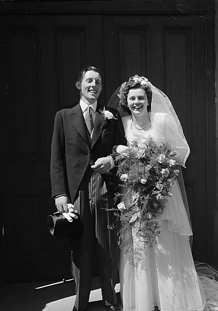 [Wedding of Dorothy Joyce and Frank Joseph Griffiths at Wem]