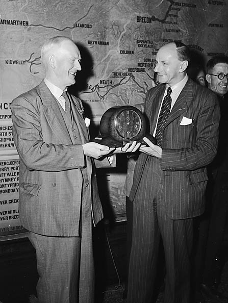[Presenting a clock to S C Harvey, Assistant Traffic Superintendent, Oswestry]