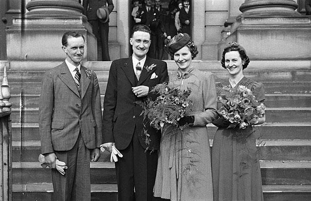 [Wedding of Margaret Lilian Jones and Arthur Macfarlane Cairns at Newtown Baptist Chapel]