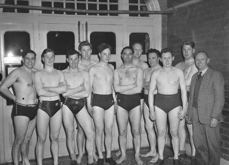 [Shrewsbury water polo team]