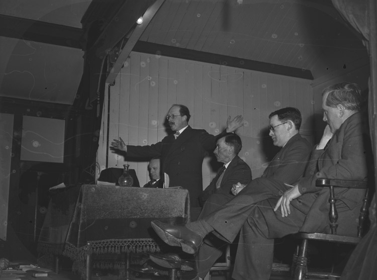 [Fothergill addressing a Liberal party meeting at Shrewsbury]