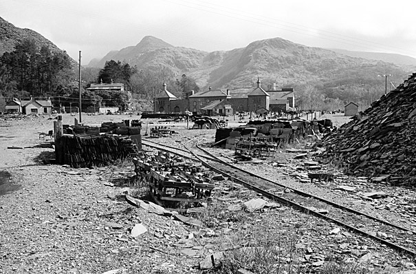 Establishing a society to  re-open the narrow gauge railway near Llyn Padarn, Llanberis
