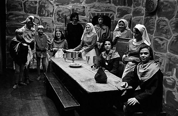 """Saunders Lewis' drama """"Amlyn ac Amig"""" performed by Ysgol y Gader, Dolgellau pupils"""