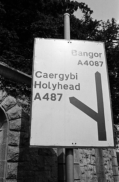 Bilingual road sign for Bangor and Holyhead