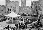 [Welsh welcome to the Queen at Caernarfon Castle]