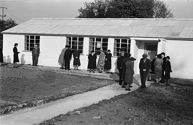 [The opening of a new Village Hall at Trefonnen, Oswestry]