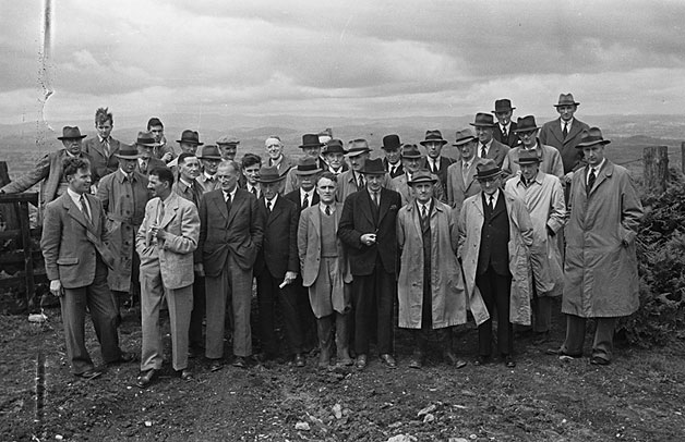 [Welsh and English WAEC delegates see the vast potato harvest on Buttington and Llwydiarth hills]