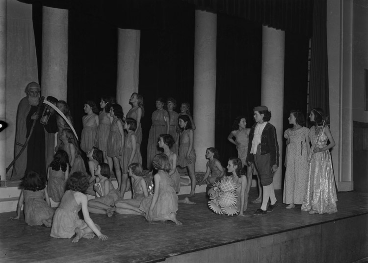 "[""The Bluebird"" performed by Monkmoor Girls' School Drama Club, Shrewsbury]"