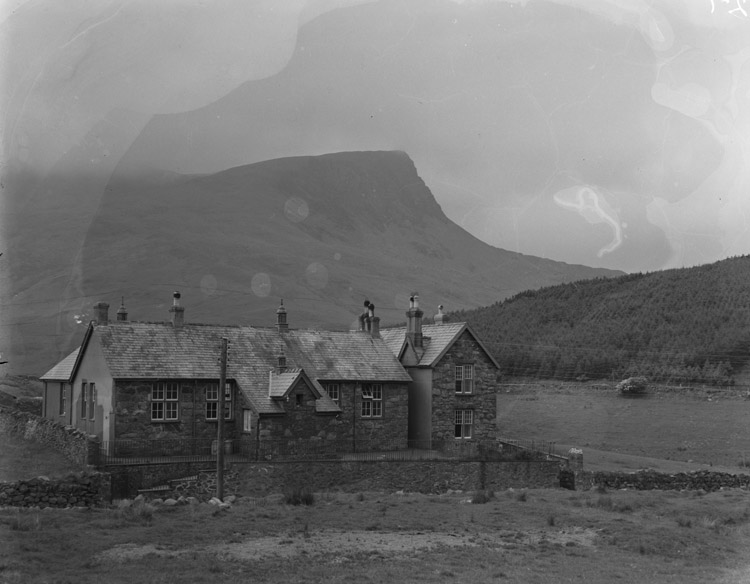 [A visit to Rhyd-Ddu, the area that T H Parry-Williams came from]